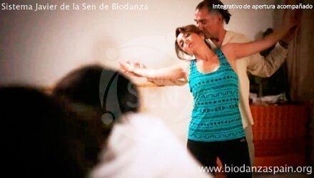 Clases-de-danza-Biodanza.-Integrativo-de-apertura-acompañado-1